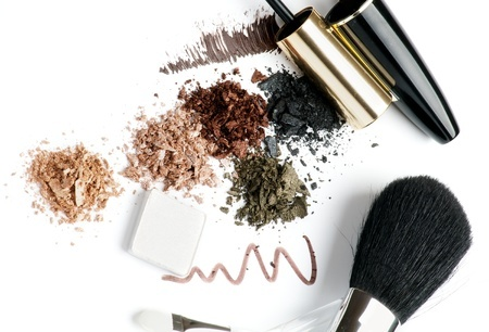 Mineral Makeup Vs. Traditional Makeup